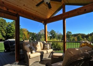 Cedar Screen Room on Trex® Deck Gurnee