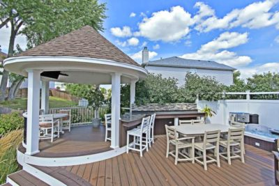 Trex® Spiced Rum White Curved Deck and Gazebo McHenry 2
