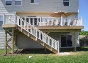 Cedar Deck with Trex® Railings McHenry