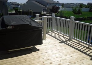 Cedar Deck with Trex® white Railings McHenry