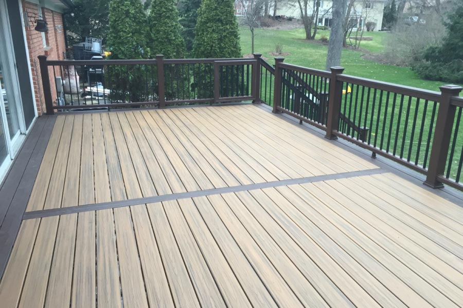 Havana Gold Trex® Deck with Vintage Lantern Border Inverness