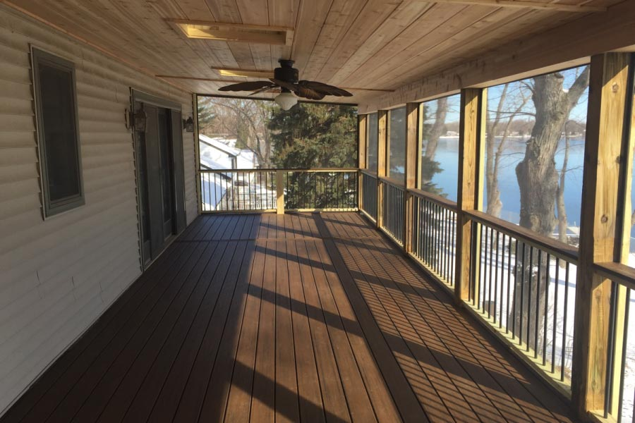 Screen Room & Spiced Rum Trex® Deck with Fan McHenry