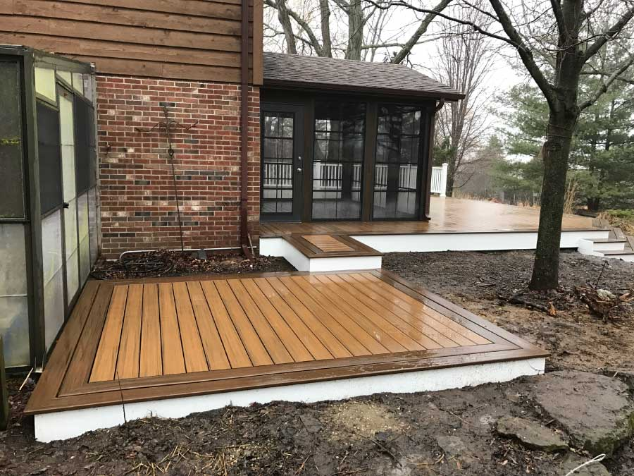 Side View Screen room with Havana Gold Trex® Deck Bull Valley