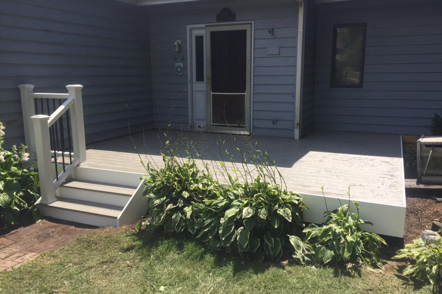 Small Gravel Path Trex® Deck with White Fascia McHenry 3