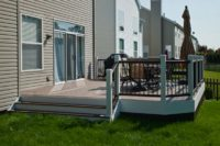 Small Trex® Deck Libertyville