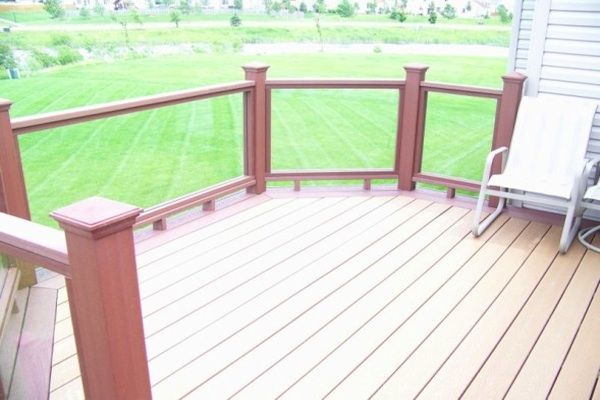 Small Trex® Deck with Glass Railings McHenry