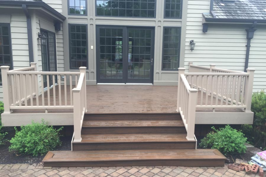 Spiced Rum Trex® Deck with Rope Swing Railings Barrington