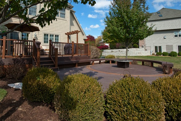 Trex® Curved Fire Pit Deck McHenry County