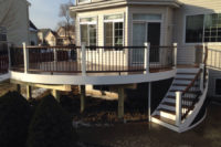 Trex® Deck Vintage with White Curved Crystal Lake