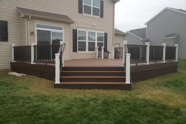 Trex® Deck and Railings Huntley 2