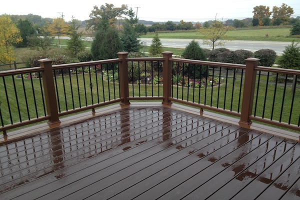 Trex® Deck and Railings with Aluminum Balusters Lindenhurst
