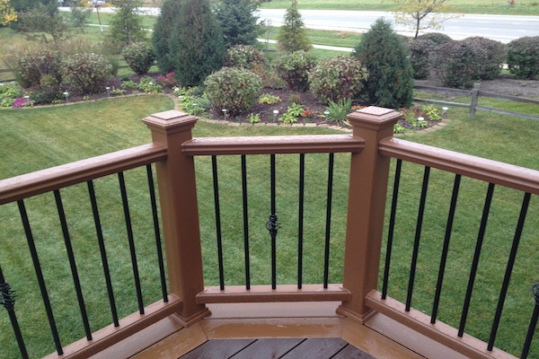 Trex® Deck and Railings with Decorative Aluminum Balusters Lindenhurst
