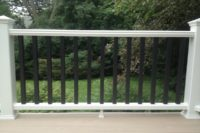 Trex® Deck with Contrasting Trex® Railings Deerfield