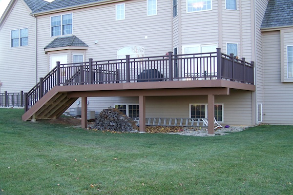 Trex® Deck with Custom Railings Crystal Lake