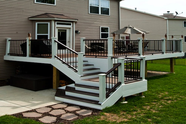 Trex® Deck with Flared Stairs Lake County