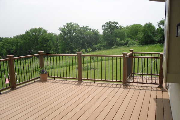 Trex® Deck with Gate Elgin