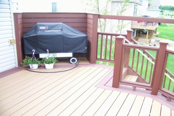 Trex® Deck with Grill Built-in McHenry