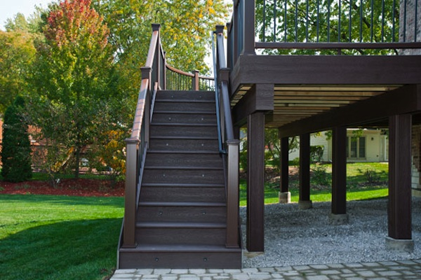 Trex® Deck with Stair Lighting Schaumburg
