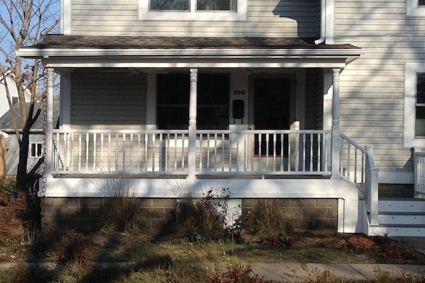 Trex<sup>®</sup> Front Porch Rebuild West Dundee
