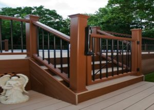 Trex® Pool Deck Self-Closing Gate McHenry County