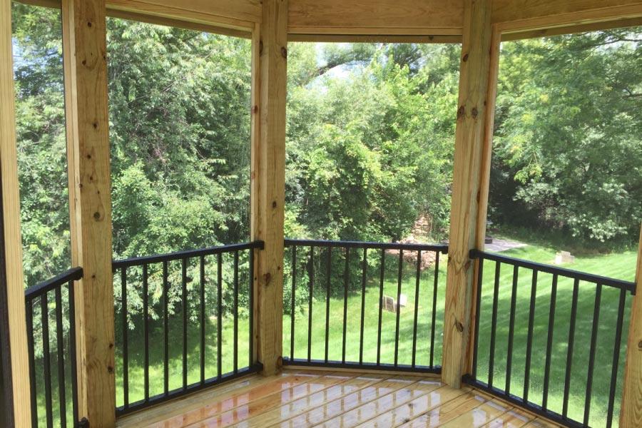 Trex® Reveal Railings in Gazebo Lake County