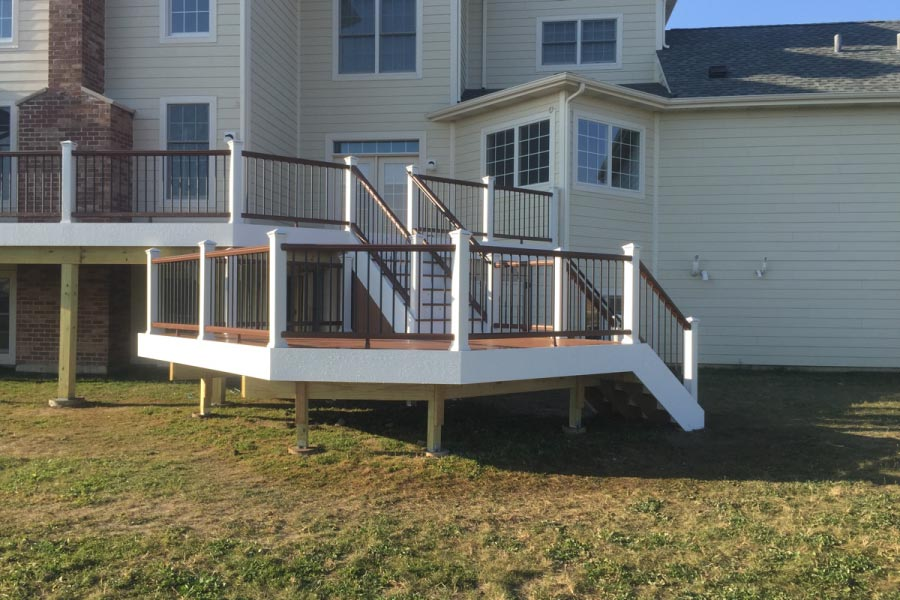 Trex® Tiki Torch Deck with Vintage Lantern & White Railings South Barrington