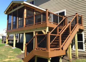 Trex® Tree House Deck with Screen Room Elgin