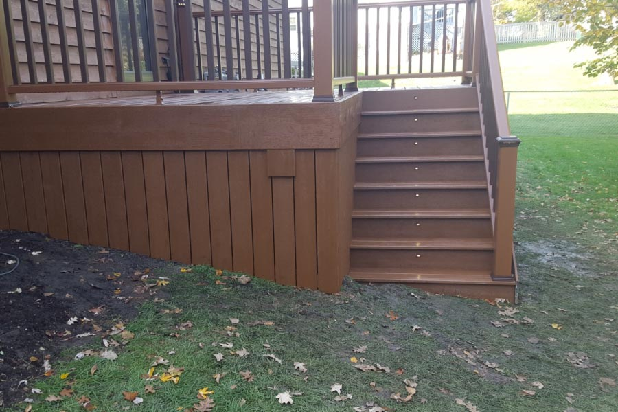 Trex® Tree House Deck with Skirting and Stair Lights Lake County
