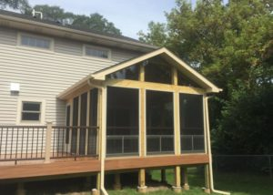 Trex® Tropical Tiki Torch Deck & Screen Room Oakwood Hills