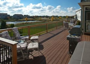Trex® and Cedar Deck with Aluminum Balusters McHenry
