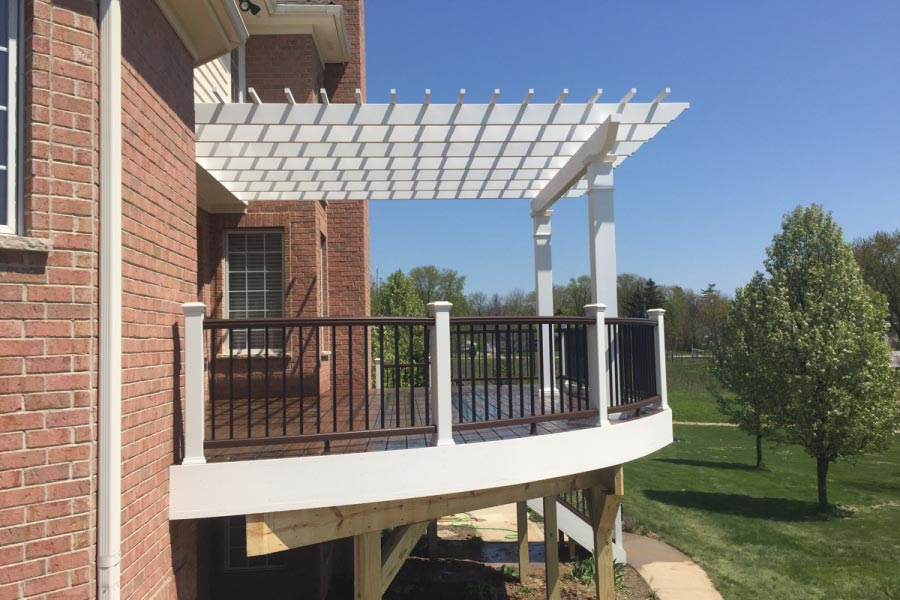 White Trex® Pergola & Curved Trex® Deck Lake County