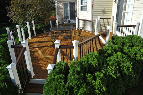 Wood Deck with Trex<sup>®</sup> Railings Lake County 2