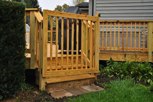 Wood Pool Deck Gate Algonquin